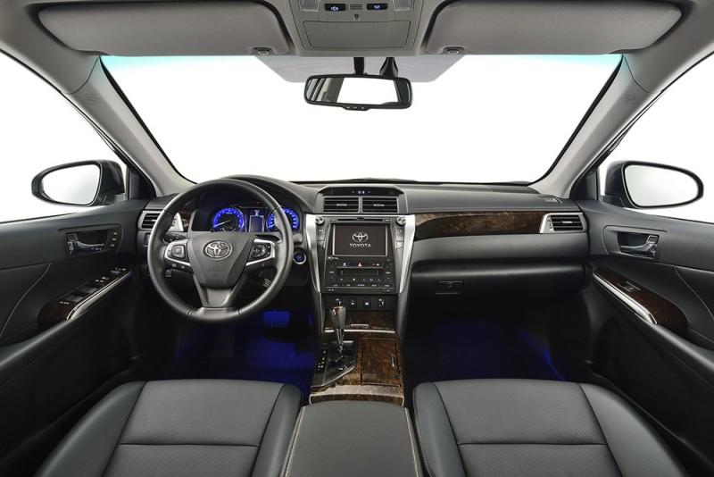 Mẫu xe Toyota Camry 2016 mới