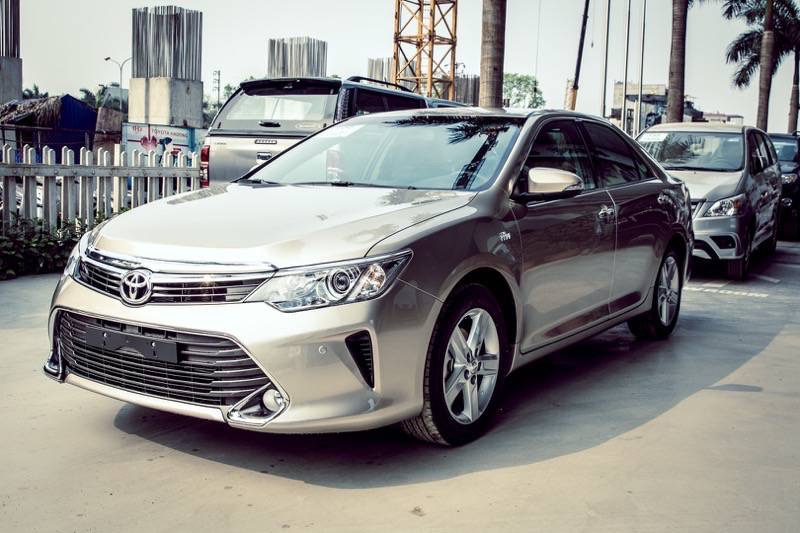 Xe Toyota Camry 2016 mới