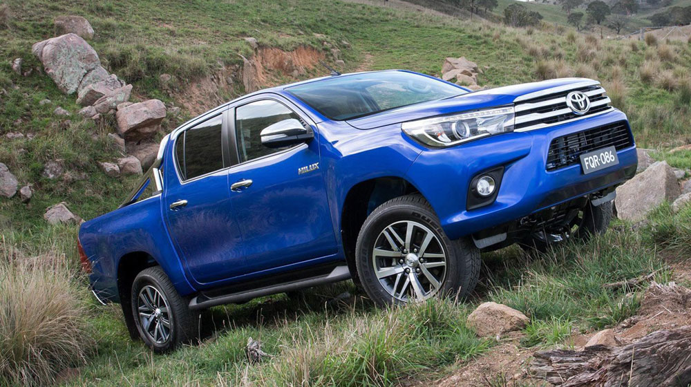 Toyota Hilux 2016 sắc sảo trong từng chi tiết 1