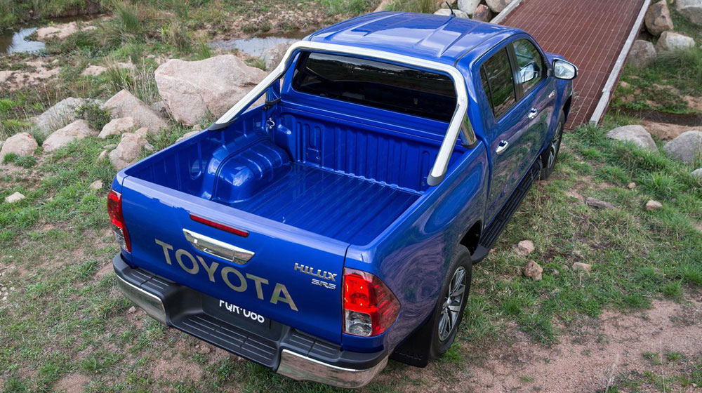 Toyota Hilux 2016 sắc sảo trong từng chi tiết 2