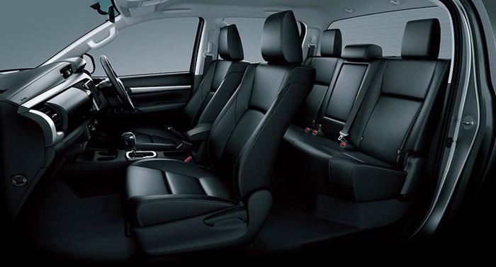 Chi tiết và hình ảnh về Toyota Hilux 2016 5