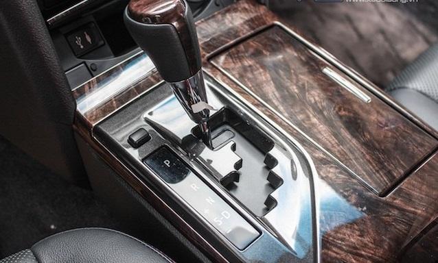 Những chi tiết đáng chú ý trên Toyota Camry 2015 2