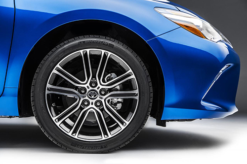 Toyota Camry phiên bản đặc biệt đầy ấn tượng 2