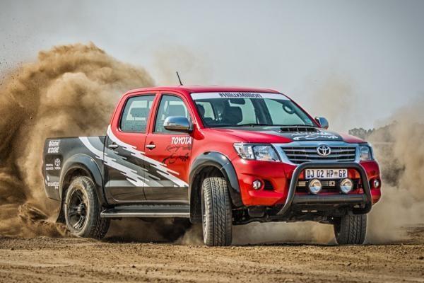 Toyota Hilux động cơ mới ra mắt có giá 72.150 USD 1