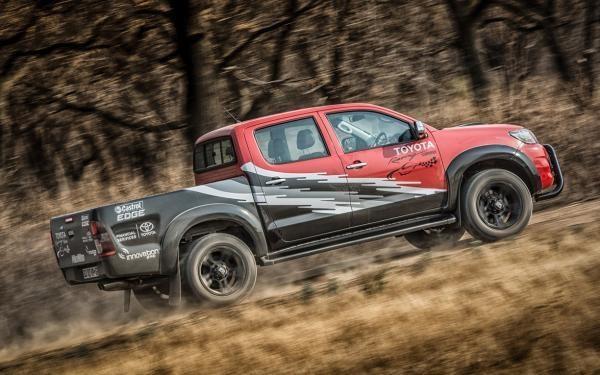 Toyota Hilux động cơ mới ra mắt có giá 72.150 USD 5