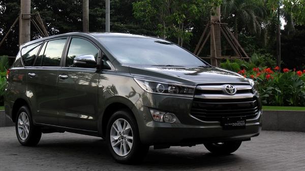 Xe-Toyota-Innova-2016