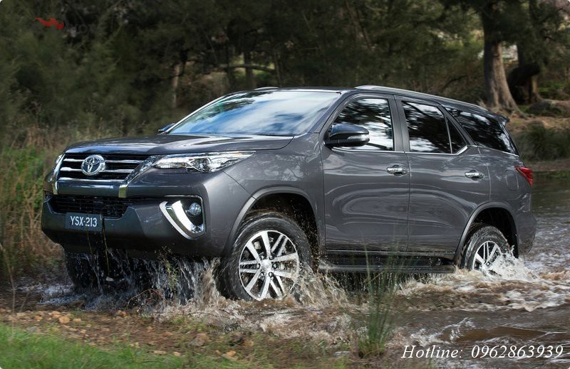 xe-toyota-fortuner-2017-buoc-dot-pha-cong-nghe