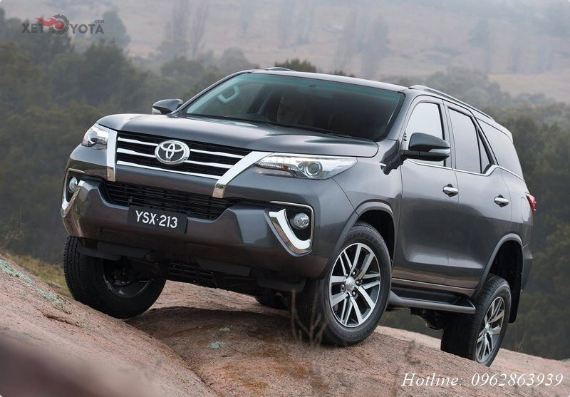 xe-toyota-fortuner-2017-1