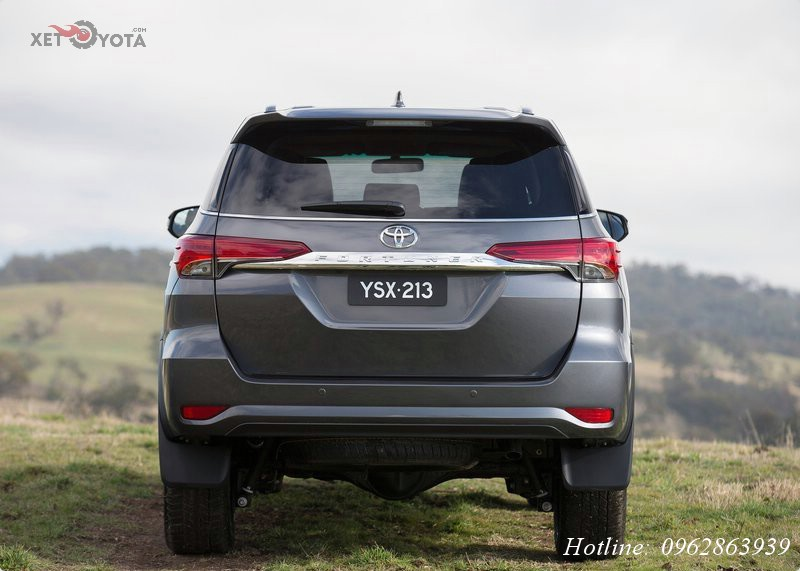 xe-toyota-fortuner-2017-3