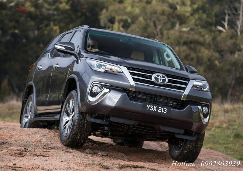xe-toyota-fortuner-2017