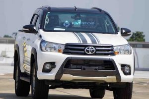 xuat-hien-toyota-hilux-2-4g-limited-edition-thiet-ke-hung-ton (2)