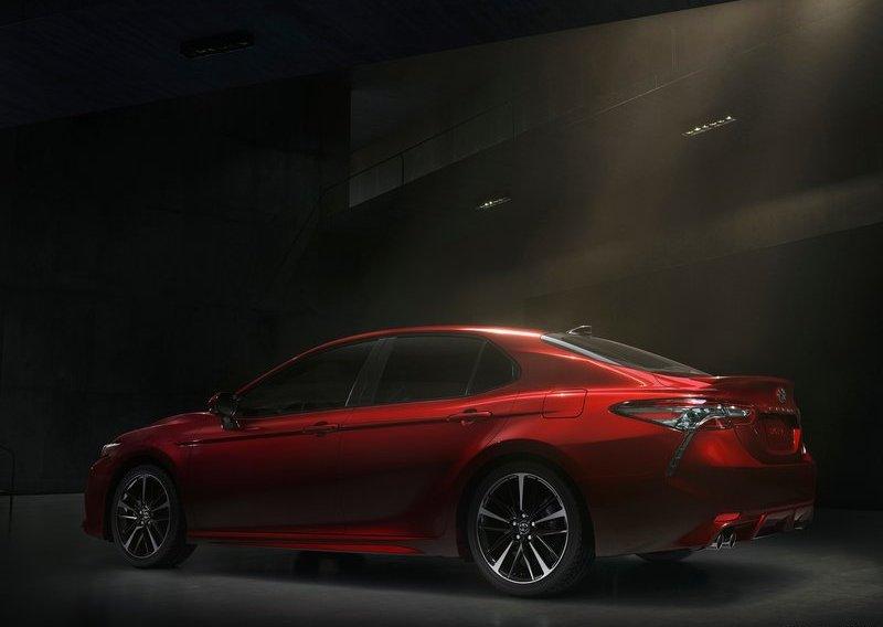 Giá Xe Toyota Camry 2.5Q 2018 ở đâu rẻ nhất