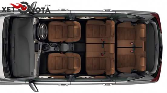 xe Toyota Innova 2.0E 08 chỗ số sàn 2017