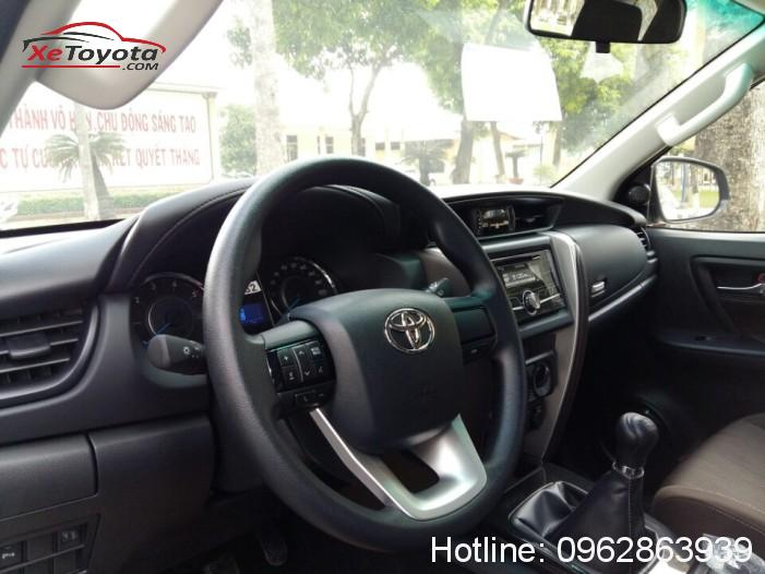 Nội thất cao cấp xe Toyota Fortuner 2.4G máy dầu số sàn 2017